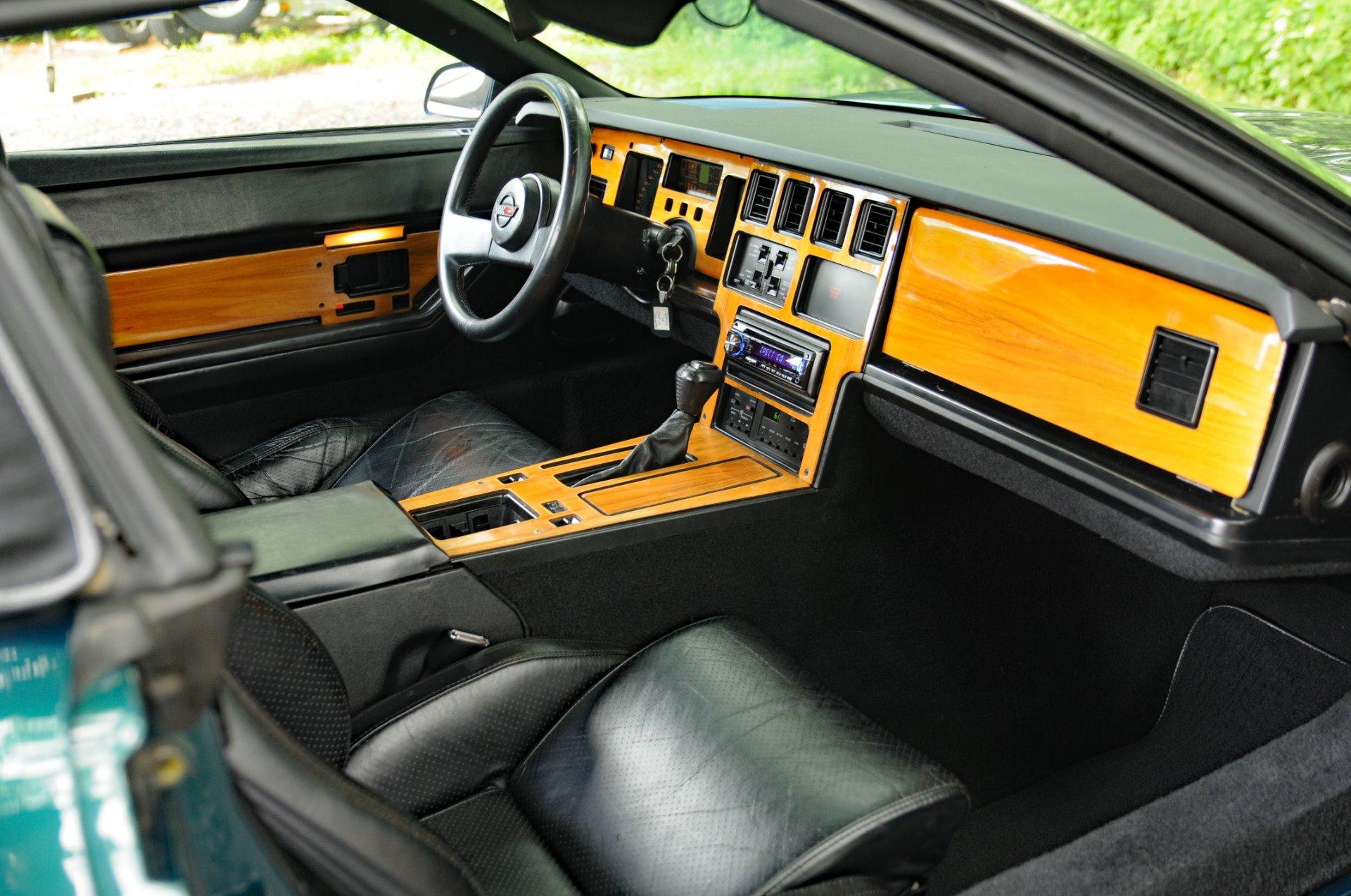Used-1988-Chevrolet-Corvette