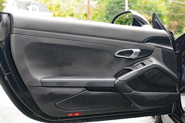 Used-2015-Porsche-Cayman-S