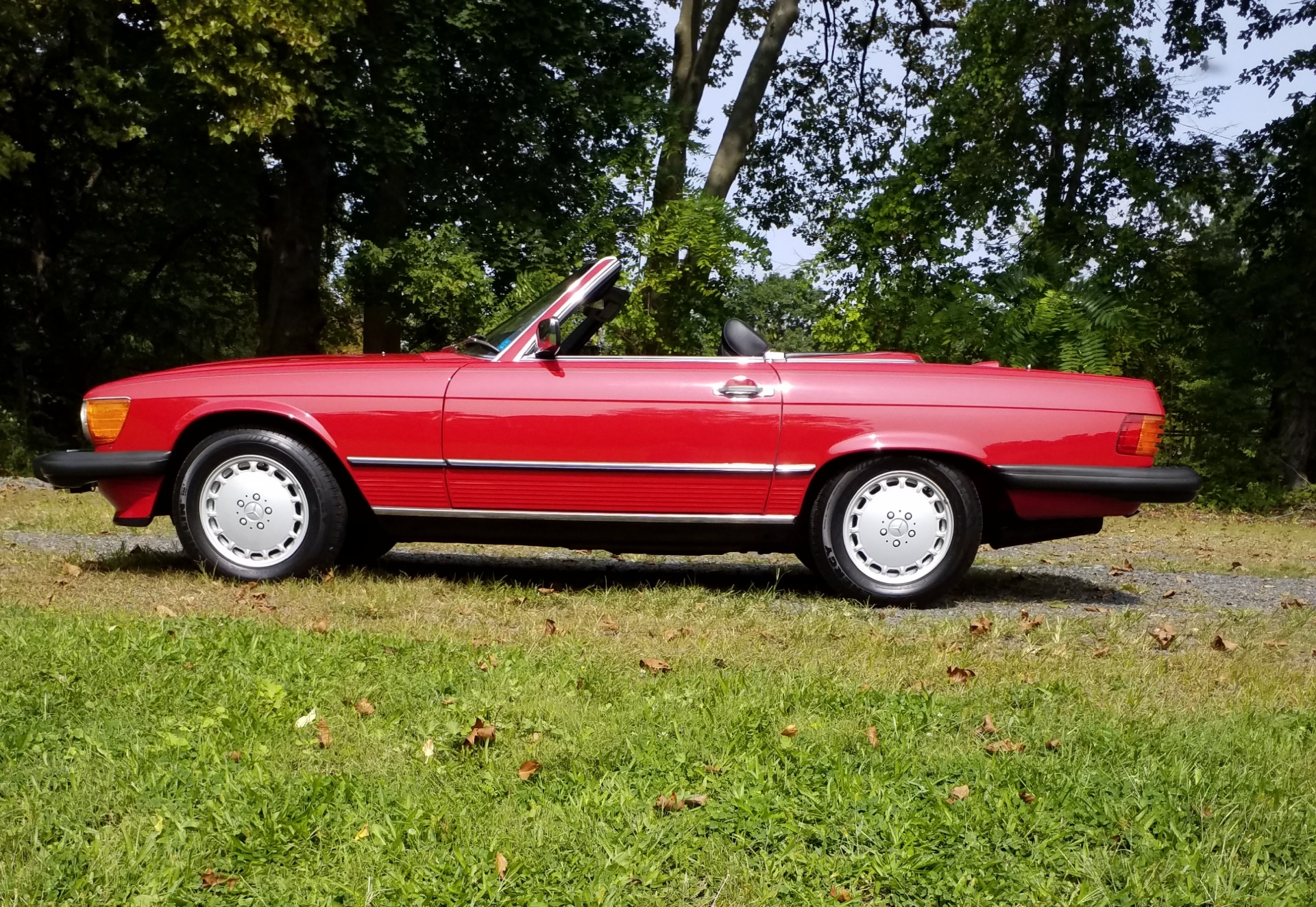 Used-1987-Mercedes-Benz-560-SL