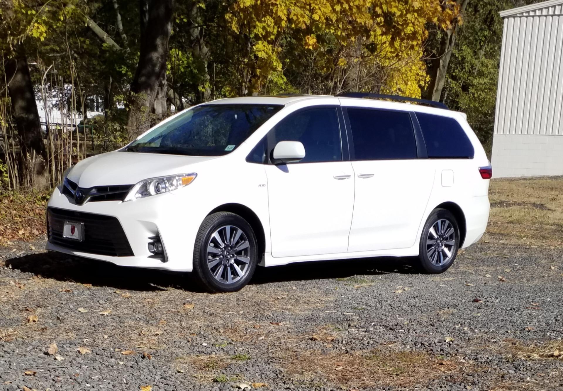 Used 2018 Toyota Sienna XLE Limited - AWD   Peapack, NJ